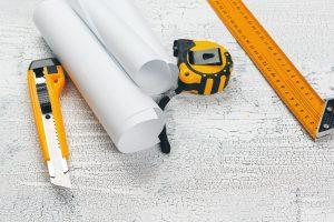 כלי מדידה וחיתוך דפים לבדק בית